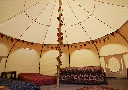 Real camping cornwall - Netley Farm campsite, yurts & lotus belle tent glamping