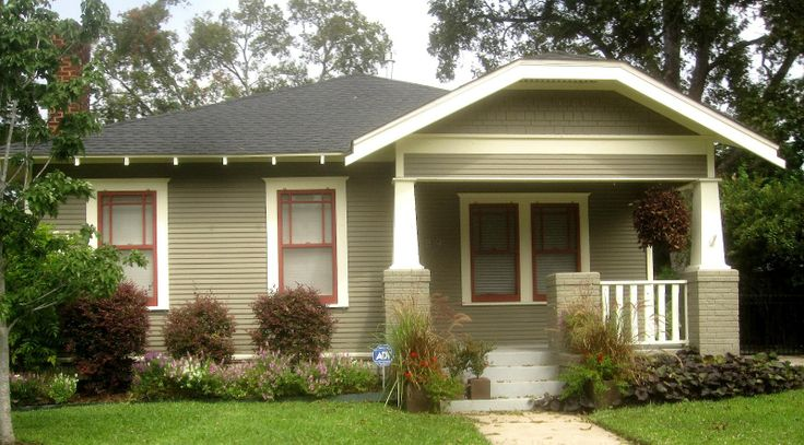 The other houston bungalows in the norhill historic for Bungalow paint schemes
