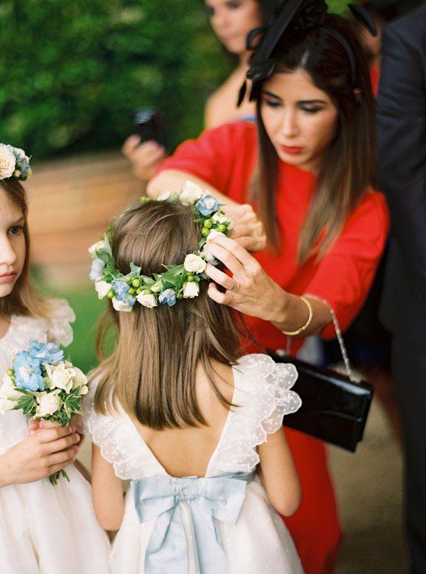 Sempre digo que gostaria de ter tido um cortejo de crianças maior que o do casamento da Kate Moss! Se tivesse me casado no Brasil, teria conseguido! Casand