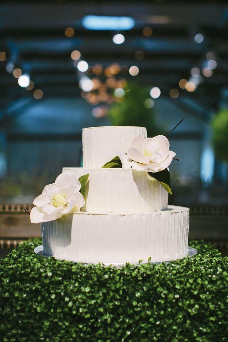 Magnolia Wedding Cake | Simple or extravagant, wedding cakes are always showstopping. Take inspiration from these classic and modern wedding cakes to make your very own everlasting creation.