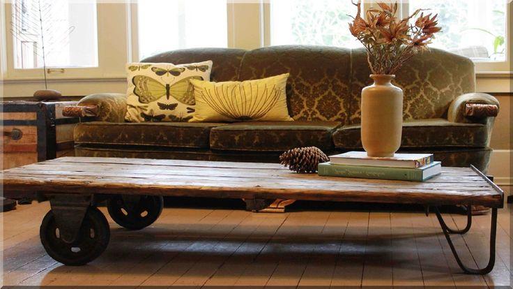 Vintage, industrial loft görgős asztal