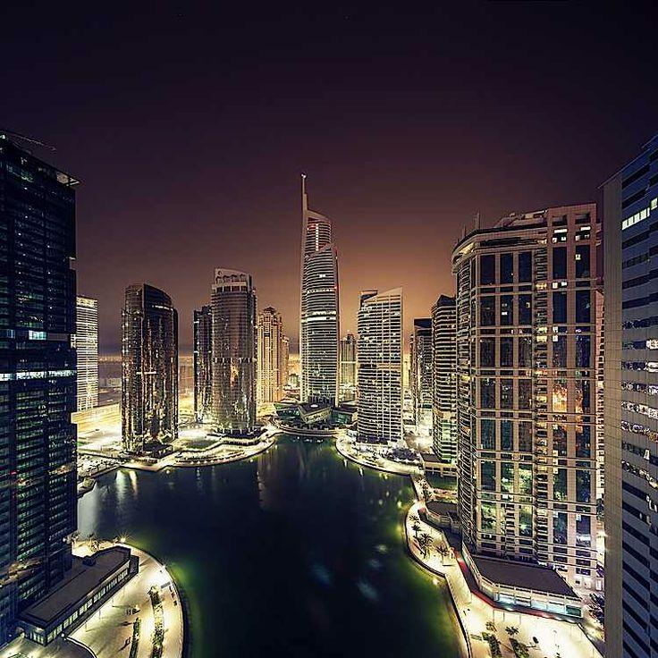 Dubai Cityscapes Photography by Jens Fersterra