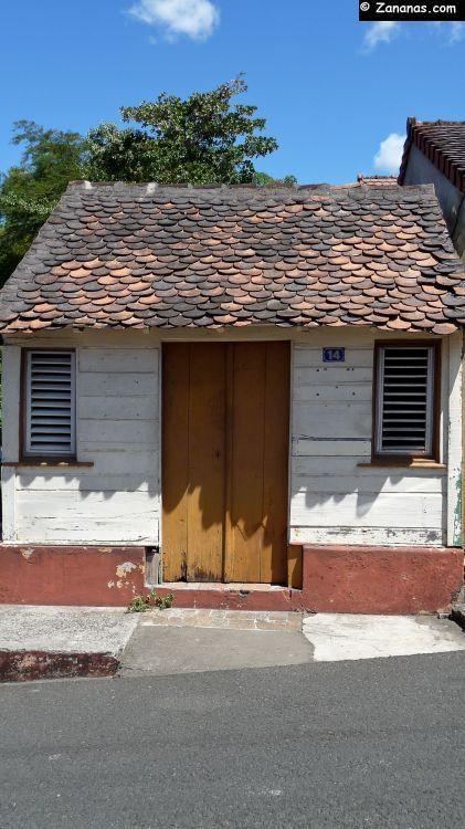 Petite case créole aux Trois-Îlets.