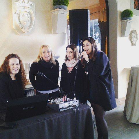 Wedding planner davvero spaciali!  #instaitaly_photo #instaitalia #instaitaly #italy #igerstoscana #rinaldelli #fascinator #cappelli #hat #matrimonio #tuscany #modaestate #estate #veletta #bride #panama #sposa #tulle #agriturismo #tosacana #seminario #womenfashion #country #igers #igersoftheday #moda #ragazza #wedding