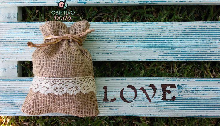 Bolsa de yute cenefa.Una bolsita preciosa para decorar tus detalles de boda.O llenar con lavanda.