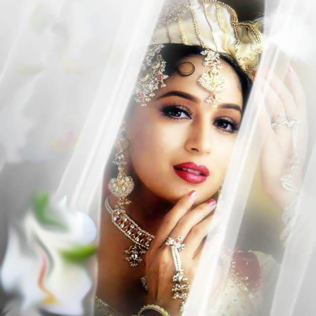 Bollywood's Dazzling Queen- Madhuri Dixit