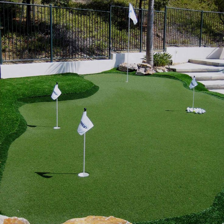 19 Crazy Cool Backyard Putting Greens   Backyard putting ...