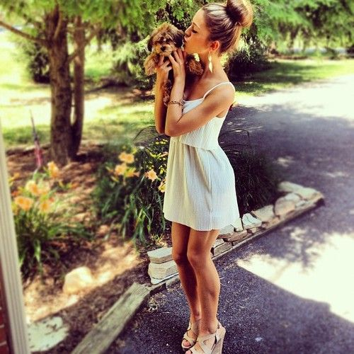love the dress and wedges and puppy :): Summer Fashion, Brown Wedges, Cute Dresses, Cute Outfits, Summer Outfits, Summer Dresses With Wedges, Socks Buns, The Dresses, Summer Dresses And Wedges