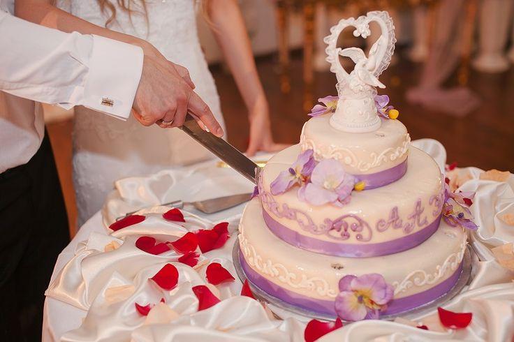 Tips Memilih Topper Sempurna Untuk Kue Pengantin