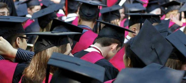 La educación de élite produce borregos excelentes, según un profesor de Yale Según James Atlas, son súper personas. Según el profesor William Deresiewicz, son niños mimados que sólo conocen el éxito, lo que termina por deprimirlos