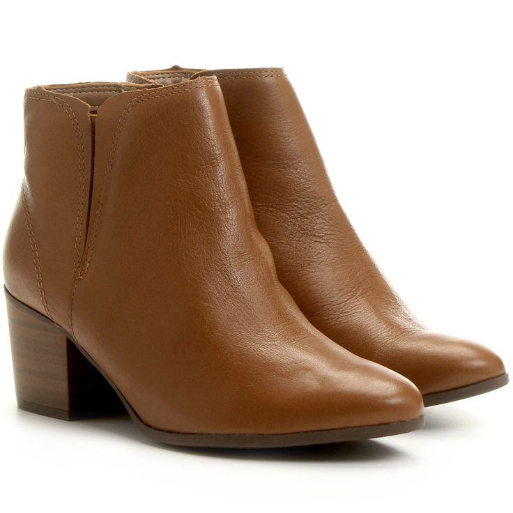 http://www.zattini.com.br/produto/bota-ramarim-salto-baixo-elastico-D11-0390-219?