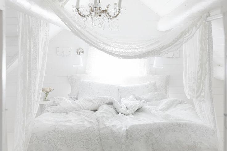 Lennol   BLACKBIRD Duvet Cover Set, White & BLACKBIRD Curtain, White