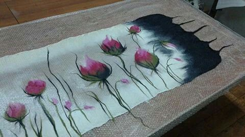 felt scarf with bud flowers.