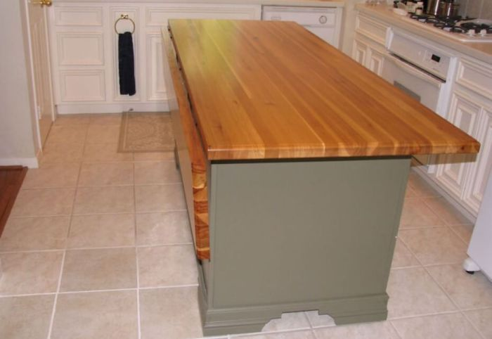 21 Unique Kitchen Island Ideas For Every Space And Budget Homelovers Custom Kitchen Island Small Kitchen Island Kitchen