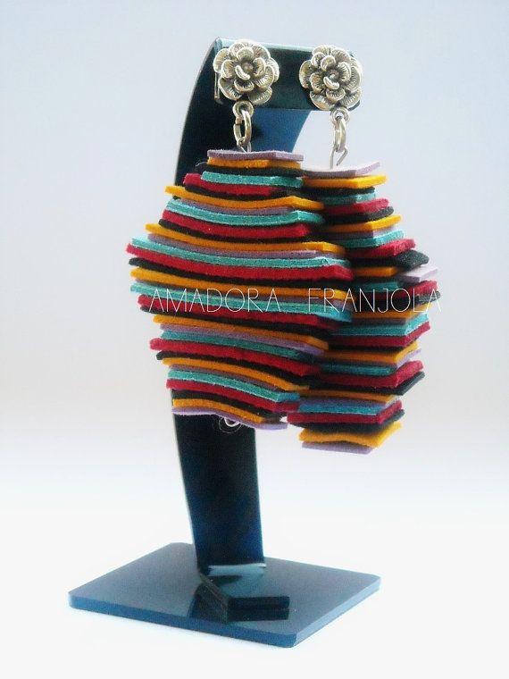 Coloridos aros hechos de gamuza natural hechos por AmadoraFranjola, $24.00