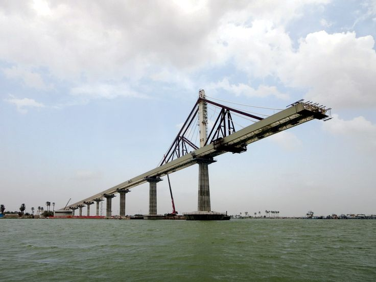 A new bridge being constructed over the Shatt Al Arab River at Basra, Iraq, will provide easy access to the nearby Shalamche Iraqi-Iranian Border Crossing.