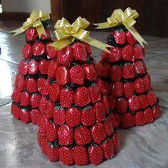 A árvore de Natal com balas encanta também os adultos                                                                                                                                                                                 Mais