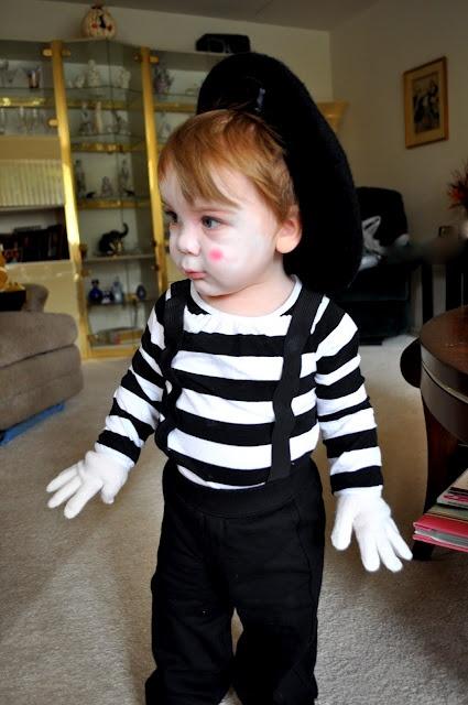 Tiny Mime Baby Halloween Costume via Shannanigans