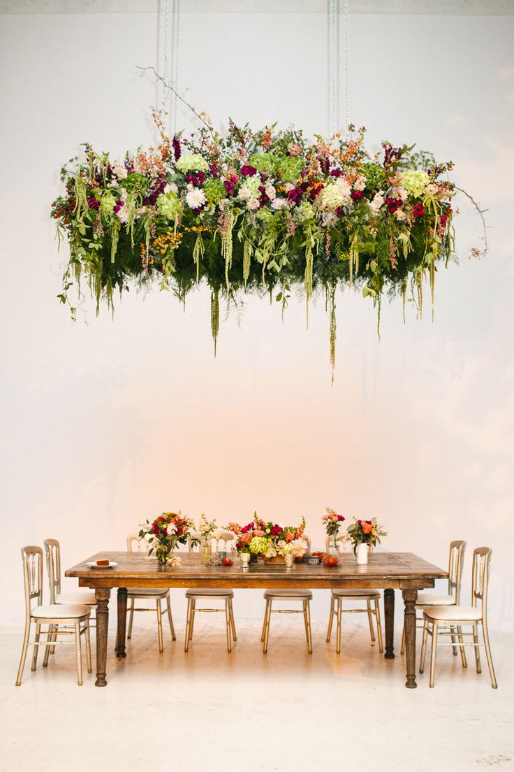 Garden Loft Wedding with an amazing Floral Instalation