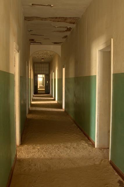 Kolmanskop hospital