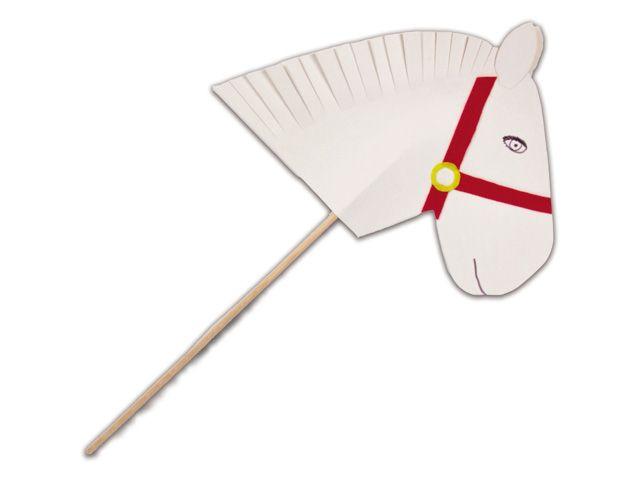 Stokpaardje van de Sint - Leuk voor in de poppenkast of om lekker zelf mee te spelen: Amerigo van karton en vilt en op een stokje zodat je 'm goed vast kunt houden.