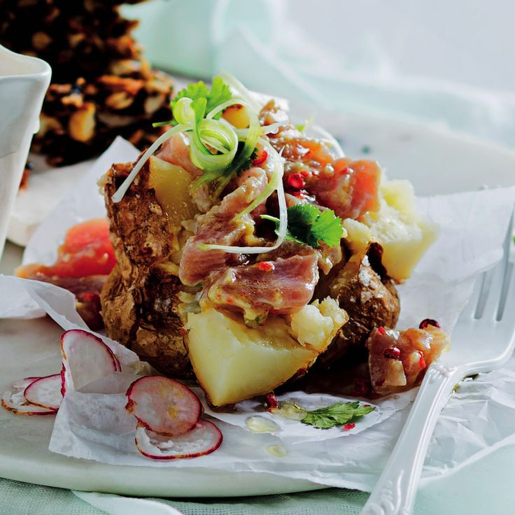 Baked potatoes with tuna ceviche