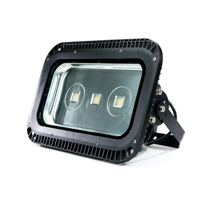 Proyector LED 150W Proyector LED 150W de exterior. Equivale a proyector halógeno de 400W.