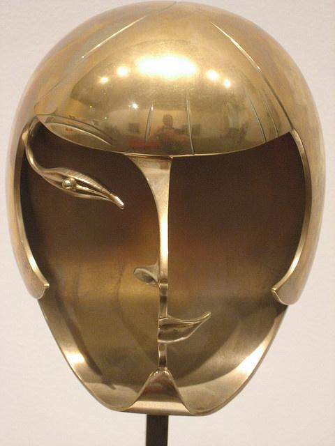 Kiki de Montparnasse. Sculpture in brass.