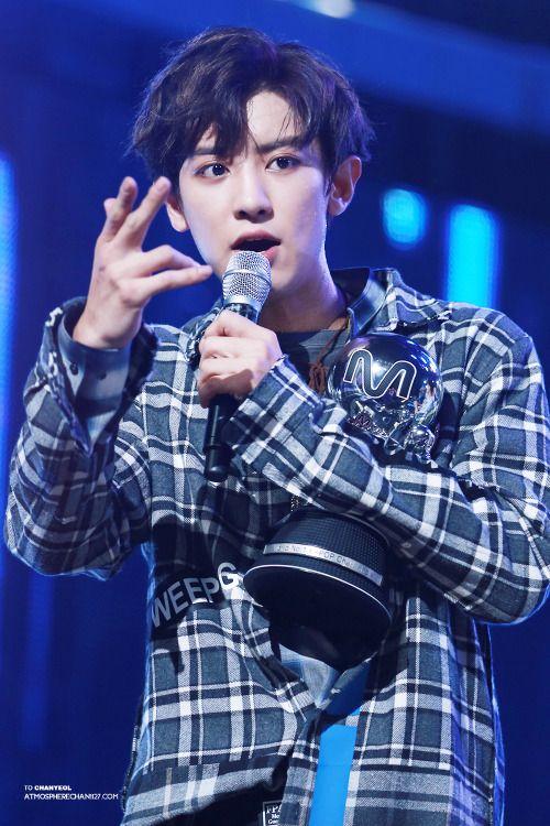 Chanyeol - 160825 Mnet M! Countdown Credit: AtmosphereChan. (엠넷 엠! 카운트다운)