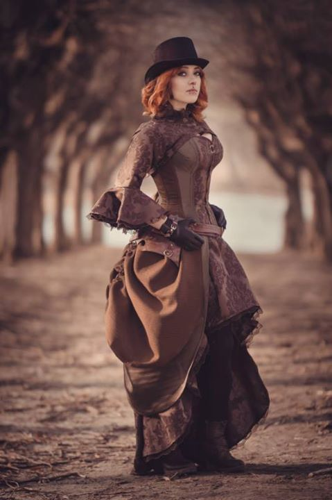 Photo: Aneta Pawska - Enchanted Stories Model: Dracaryon Outfit: Deathless Corsets