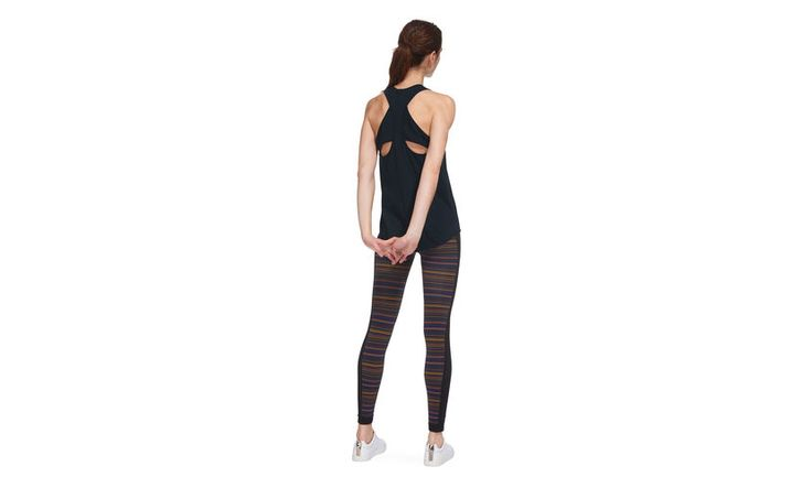 Add a stylish vest to your workout wardrobe with our sporty design. A racer back keeps to the athletic mood, while the classic navy hue will allow it to slot seamlessly into your existing workout wardrobe. Perfect for layering over gym leggings. <br /> <br /> ·Sports vest style<br /> ·Navy<br /> ·Leisure wear. <br /> <br /> Marcele is 5'11''/180cm and wears a UK size 8.