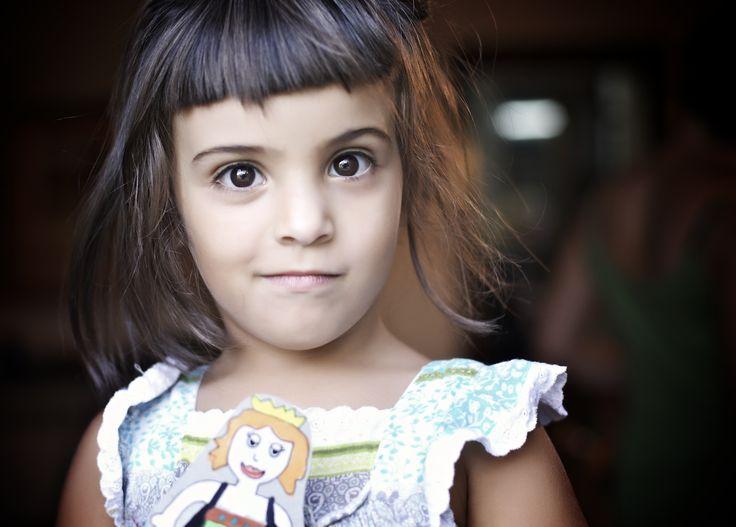 Como se puede ser tan guapa y simpática!! SIZEPHOTO, fotógrafo barcelona, Ernest Brugué. Book niños.