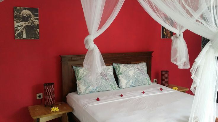 Bundaku Homestay cozy bedroom Amed Bali. Find us in Airbnb or booking.com