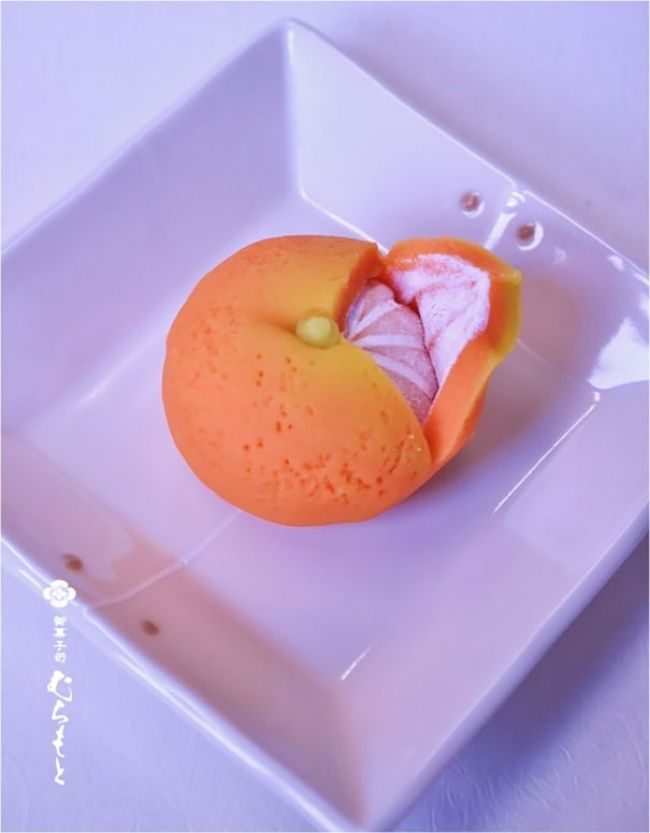 20 Japanese desserts that are way too cute to eat - Orange flavored ice cream ♥ | ©