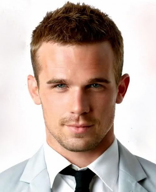 I'm fully aware that Cam Gigandet is 32 and has a wife with an adorable daughter but mother trucker. YAS.