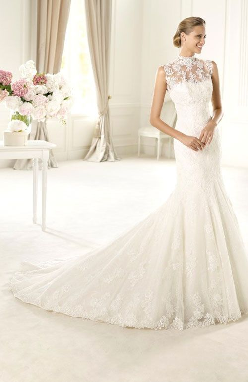 Bride has collected 12 beautiful lace gown looks for your inspiration.