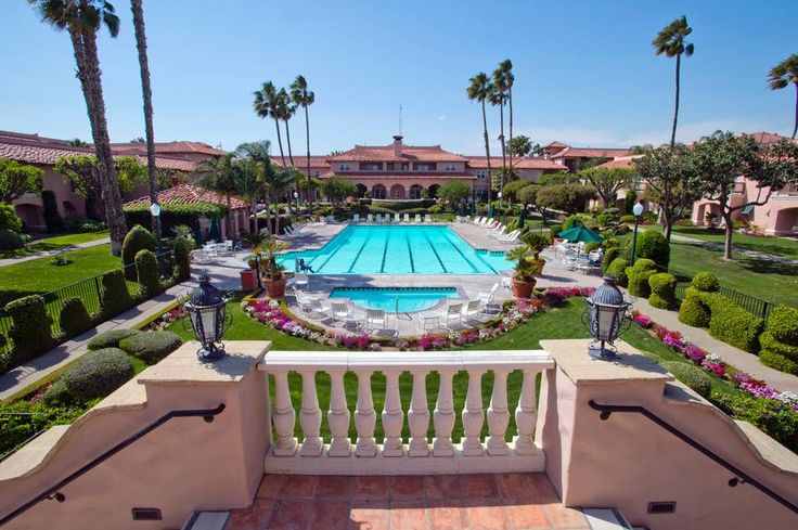 Harris Ranch boasts a 153-room hacienda-style hotel with an Olympic-size swimming pool, hot tubs, suites, and a country store that sells the yield from crops grown on Harris' 18,000 acres