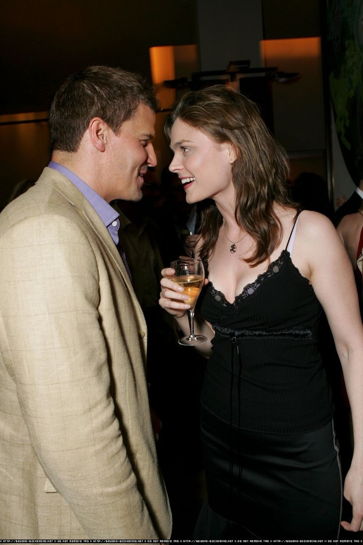 are bones and booth dating