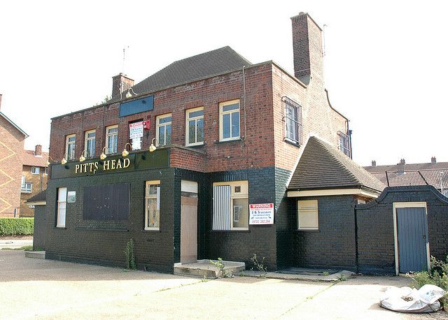 Pitts Head canning Town E14