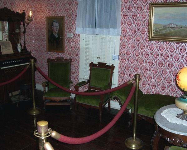 James home decor springfield mo for Home decor 65807