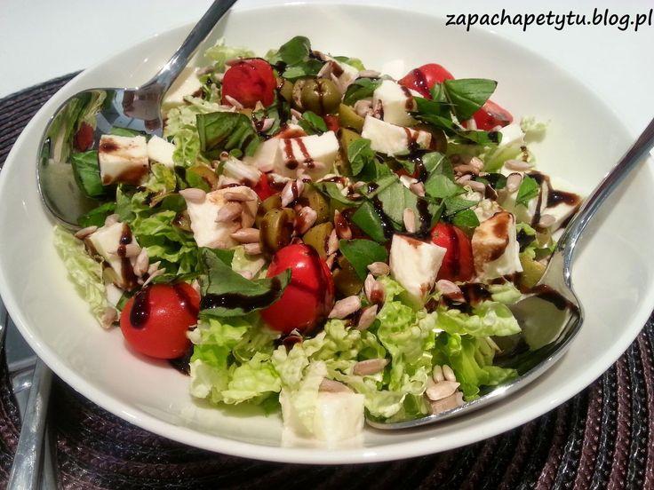 Sałatka z kapusty pekińskiej z miętą idealna na lekką kolację lub jako dodatek do obiadu. #salad #mint #lunch #polishgirl #polishfood #foodblog