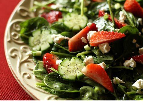 Spinach Strawberry SaladStrawberries Salad, Italian Food, Strawberries Spinach Salad, Strawberry Spinach Salads, Healthy Eating, Fancy Food, Healthy Recipe, Spinach Strawberries, Food Drinks