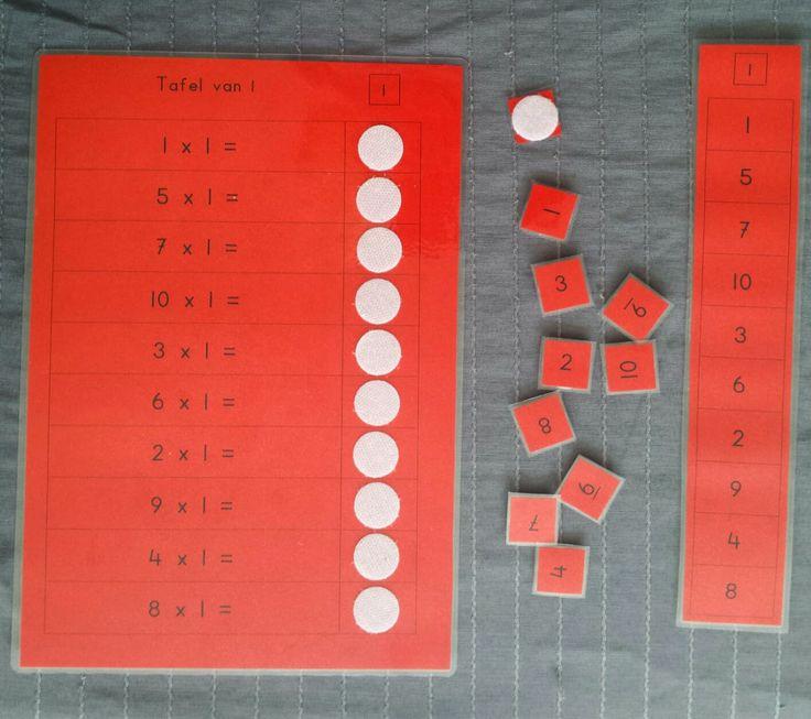 materialen om de tafels te oefenen met klittenband