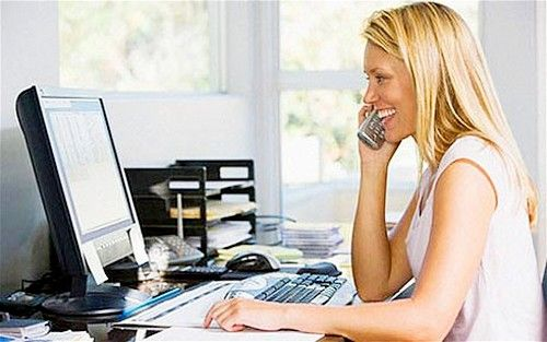 Advantages of Working from Home, As a woman who has a myriad of roles, especially for those who still have a career when family, option to work from home has its own advantages and disadvantages. When your job is not too demanding to merely go to the office, you have the opportunity to use it to do it at home. These are six advantages when you work from home.
