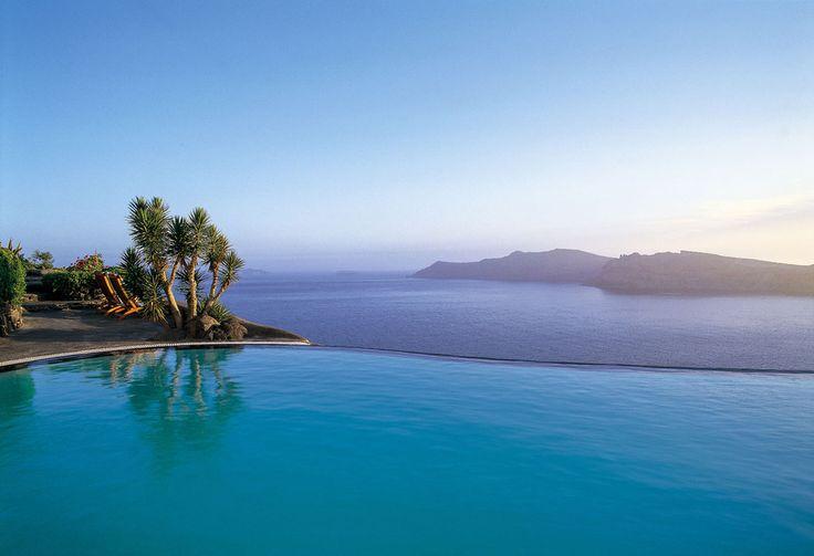 Les adresses d'été d'Inès de la Fressange hôtel avec piscine Perivolas Santorin Grèce île Cyclades http://www.vogue.fr/voyages/adresses/diaporama/les-adresses-dt-dins-de-la-fressange/21218#les-adresses-dt-dins-de-la-fressange-15