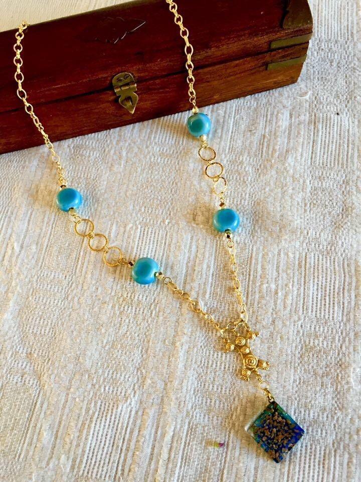 Le chouchou de ma boutique https://www.etsy.com/ca-fr/listing/265255737/egyptian-style-blue-porcelain-necklace