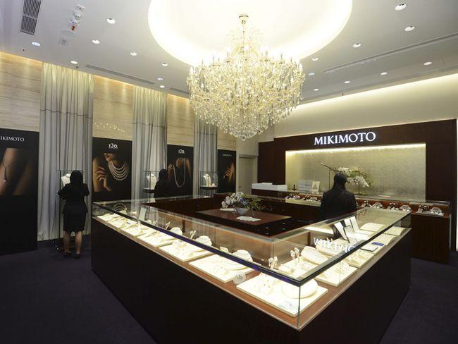 Mikimoto store design jewelery displays pinterest for Jewellery interior designs