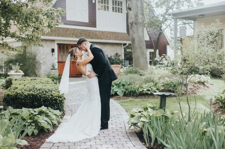 Congratulations Erica and Joe we hope you are enjoying married life!