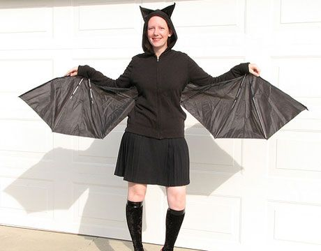 homemade Halloween bat costume.  The wings are made from an umbrella!Fancy Dresses, Broken Umbrellas, Halloween Costumes Ideas, Diy Halloween Costumes, Diy Bats, Homemade Costumes, Bats Costumes, Halloween Ideas, Homemade Halloween Costumes