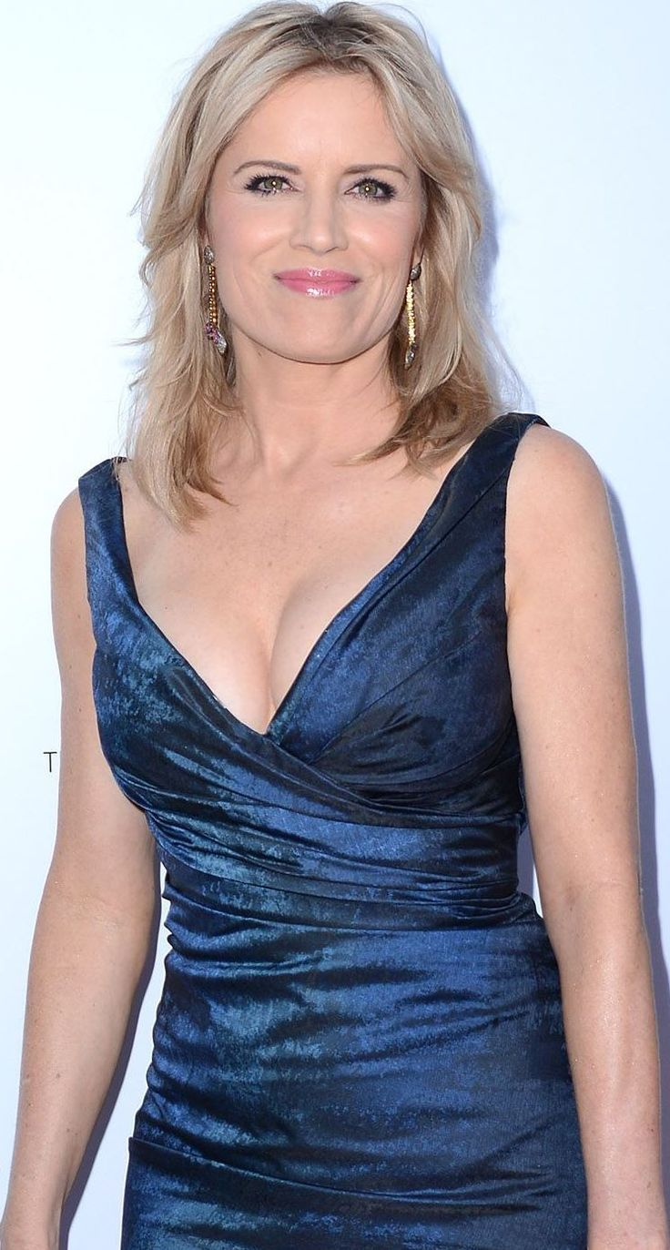 Scrumptious and Sexy Kim Dickens